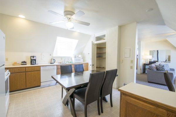 Villa Kitchen & Dining Room